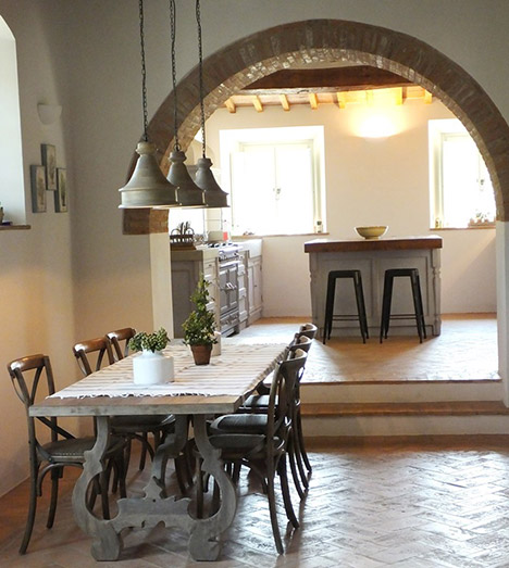 Mobili Country Firenze.Arredamenti Per Cucine E Negozi Realizzazione Cucine Su
