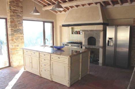 Arredamenti per cucine e negozi realizzazione cucine su misura