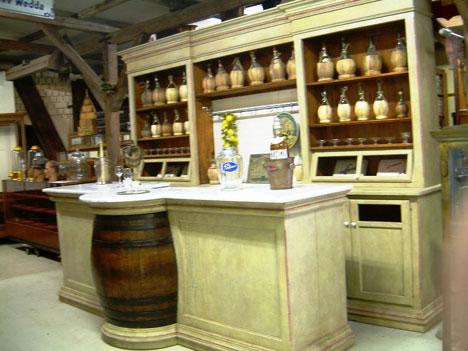 Arredamenti per cucine e negozi realizzazione cucine su for Negozi di arredamento firenze